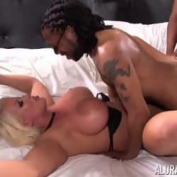 Nikki Lately sets up gangbang for Alura Jenson