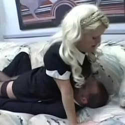 Real non-professional woman smothering chap when enjoying cunilingus