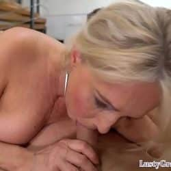 Gorgeous euro granny gets jizzsplattered